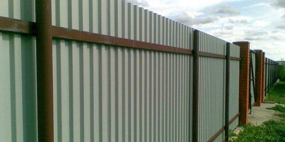 Забор на винтовых сваях, пример, Оса, Мазунино, Пермский край, Пермь